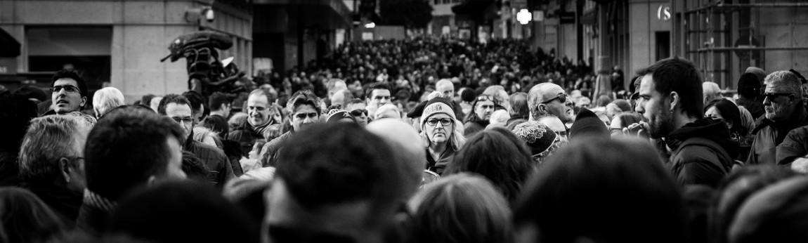 La gente en la Puerta del Sol