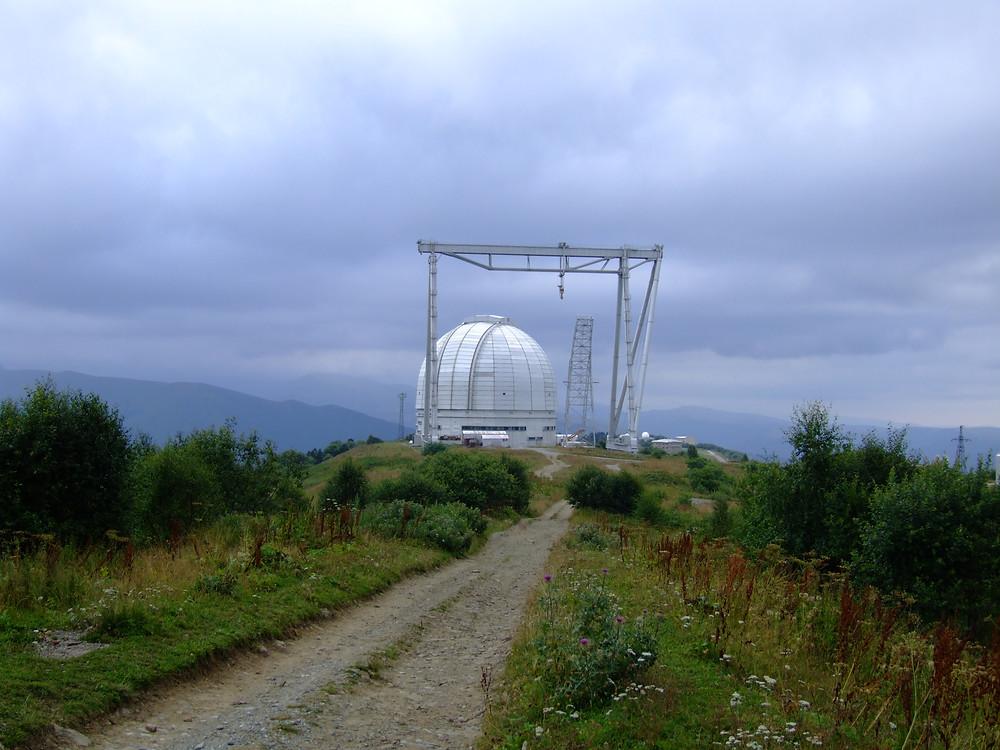 БТА — крупнейший в Евразии оптический телескоп. Нижний Архыз