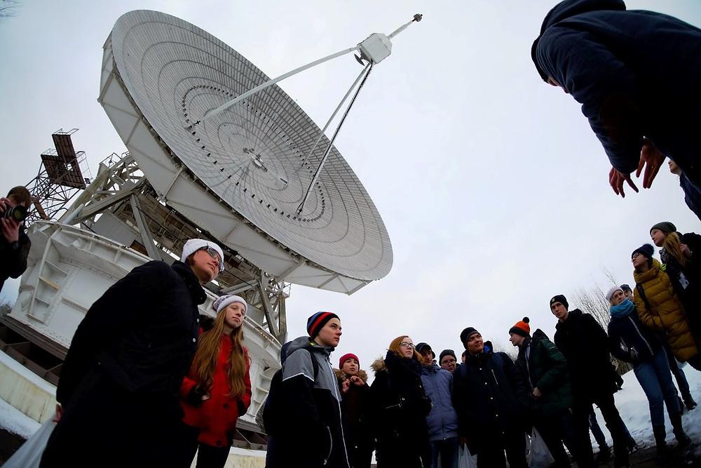 """Участники АФШ """"Траектория"""" на экскурсии по Пущинской радиоастрономической обсерватории"""