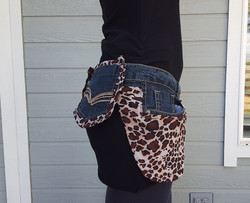 Light cheetah print utility belt