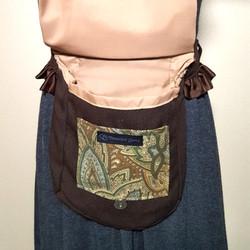 Ruffled hip bag brown paisley 7 open