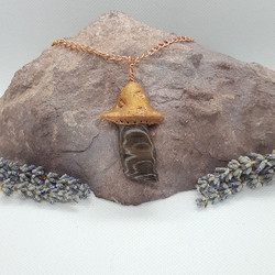 Electroformed mushroom necklace petrifie