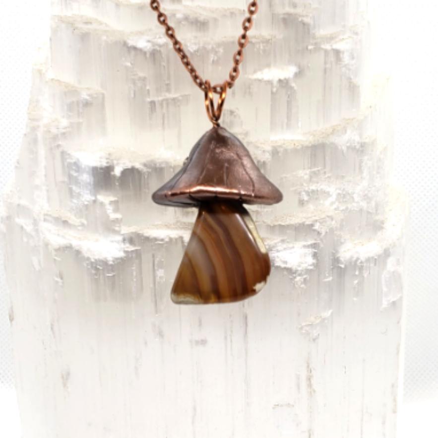 Electroplated Mushroom necklace brazilli
