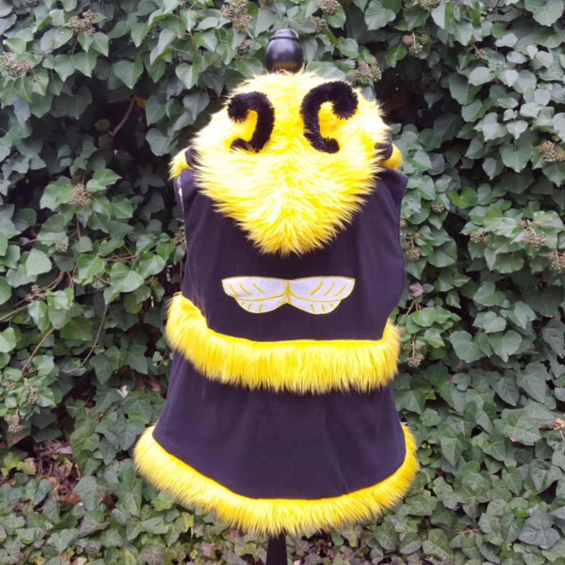 Busy Bee hooded vest back