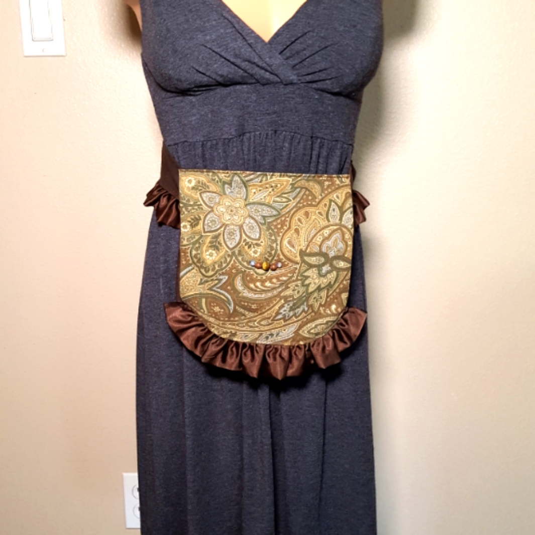 Ruffled hip bag brown paisley 7