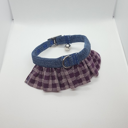 Dog Collar ruffle purple and white