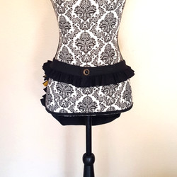 Bustle bag bee front