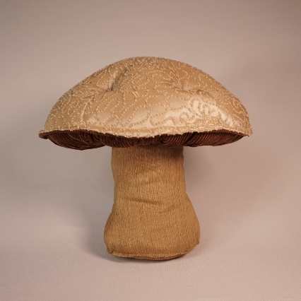 Squiggly tan mushroom 3
