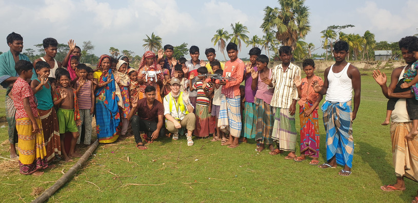 ELLIE WITH BANGLADESH COMMUNITY.jpg