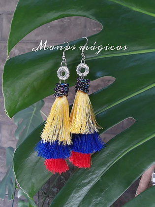 Earrings of the flags of each country