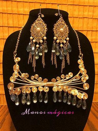 Set Necklace and Earrings / Juego de collar y aretes