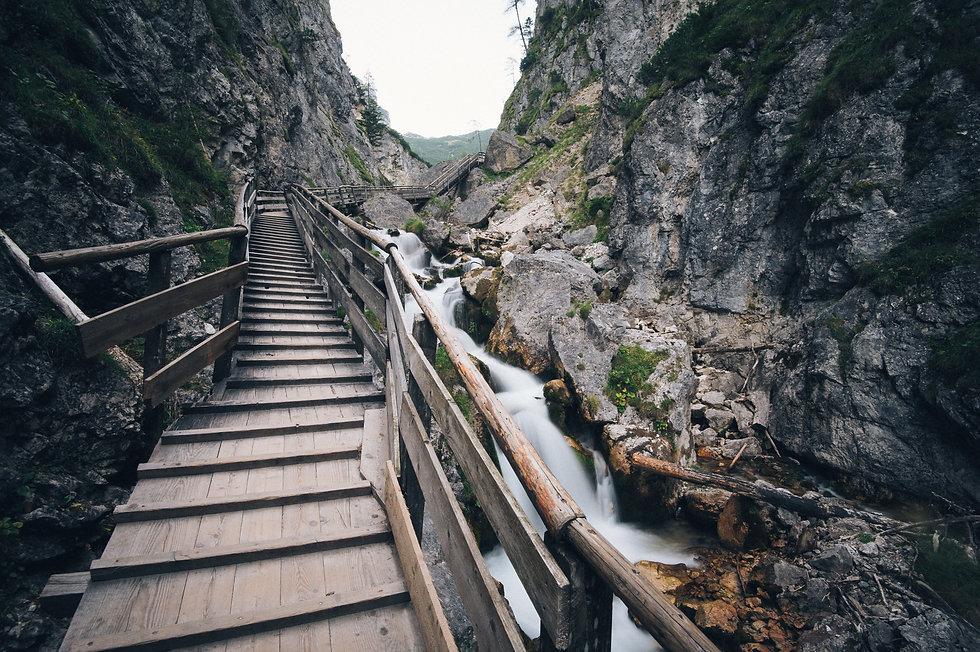 stairway-1149473.jpg