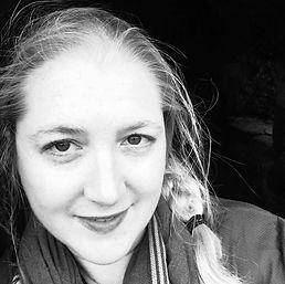 Eliza Knight Author Photo 2020.jpg