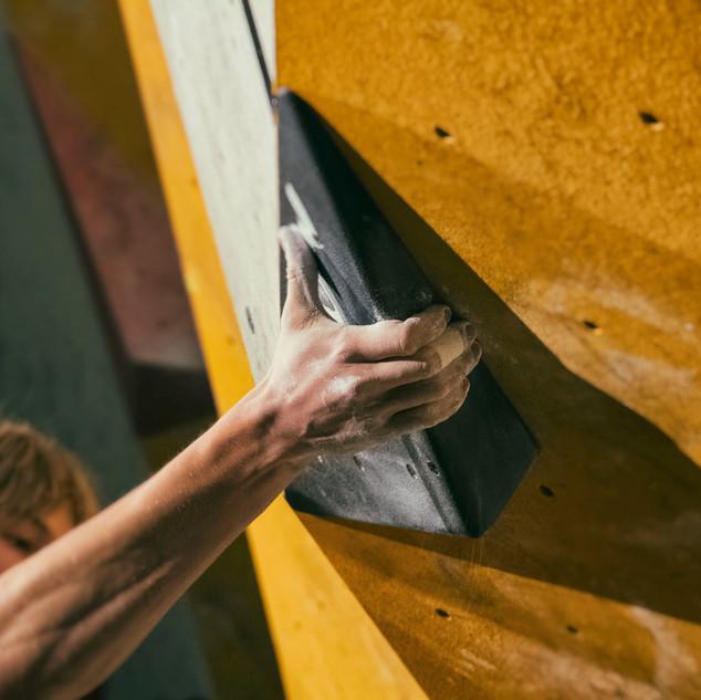 B•Side Indoor Free Climbing Challenge