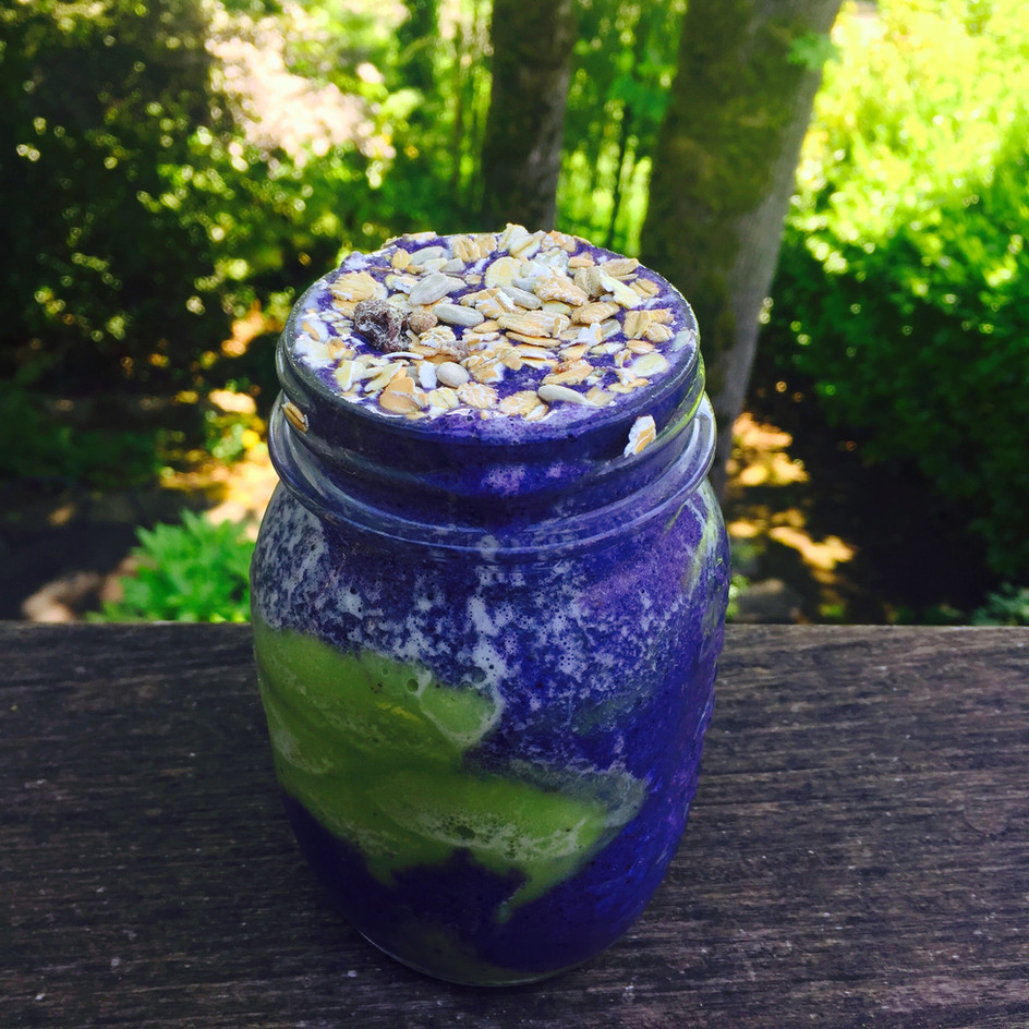 BLUEBERRY MATCHA GREEN TEA SMOOTHIE