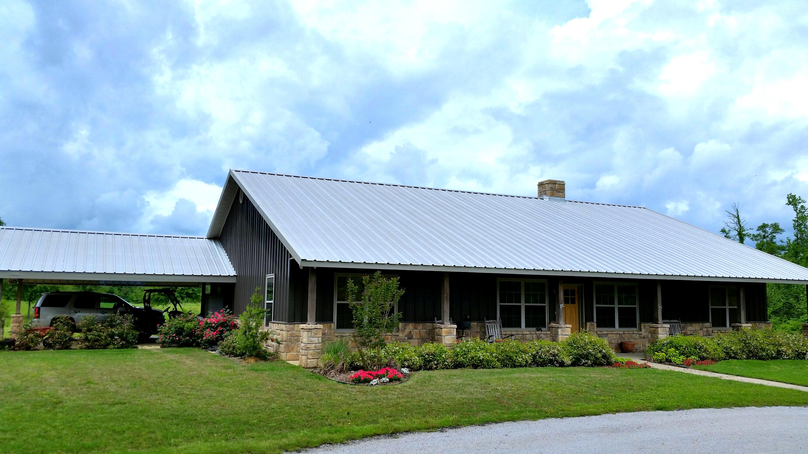 East Texas Metal Home