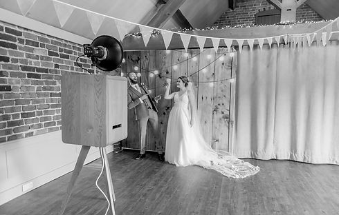 Vintage Photo Booth Fells Fotos Bride an