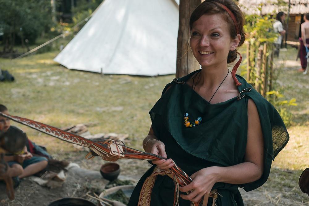 Tkaní na karetkách, technika známá od doby bronzové. Foto F. Hostýnek