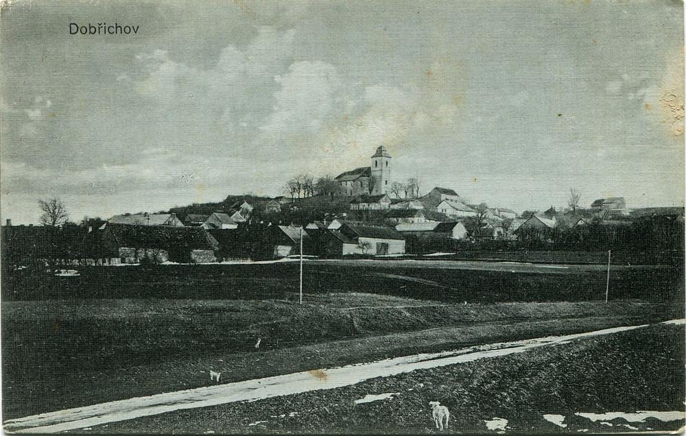 Dobřichovské návrší zachycené roku 1914. Dobová pohlednice