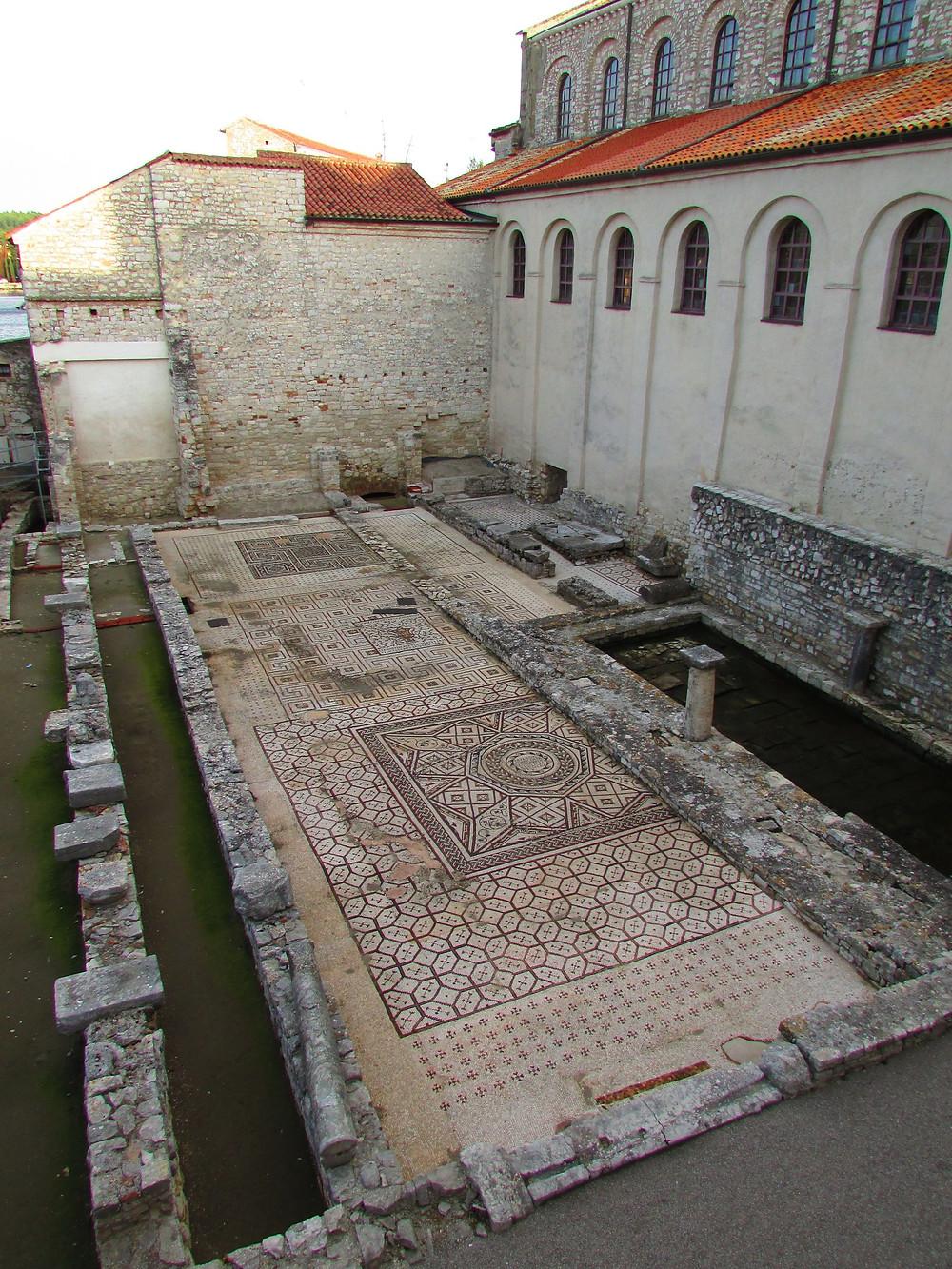 3.Mozaiky z biskupského komplexu v Poreči. Foto Z. Beneš