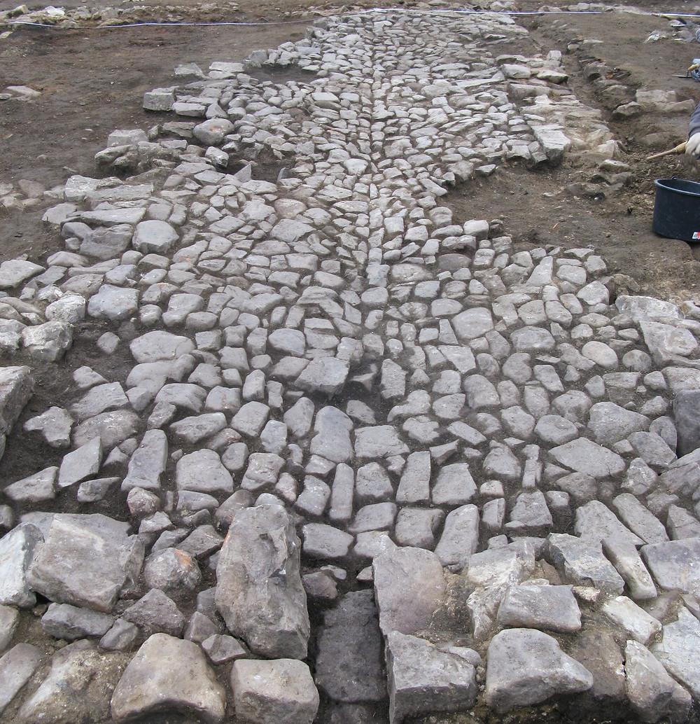 Kamenná podlaha chléva v Řevnici. Foto archiv ÚAPPSČ