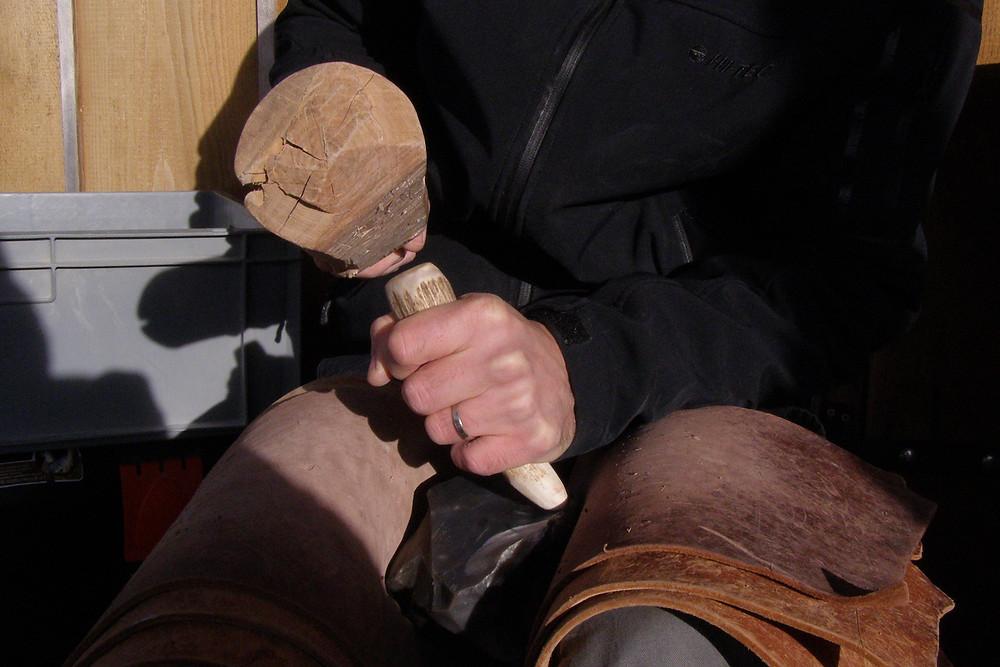 Úder přes parohový prostředník. Foto archiv P. Zítky
