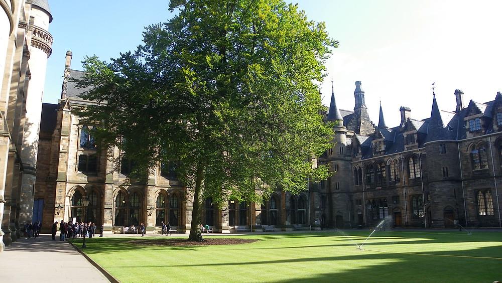 Krásný areál Univerzity v Glasgow, kde se konference konala. Foto L. Kos