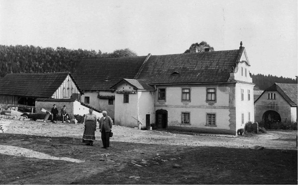 Mlýn Propast v Hradci u Stříbrné Skalice na počátku 20. století.