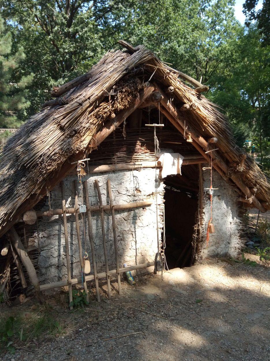 Pravěká osada v plzeňské ZOO