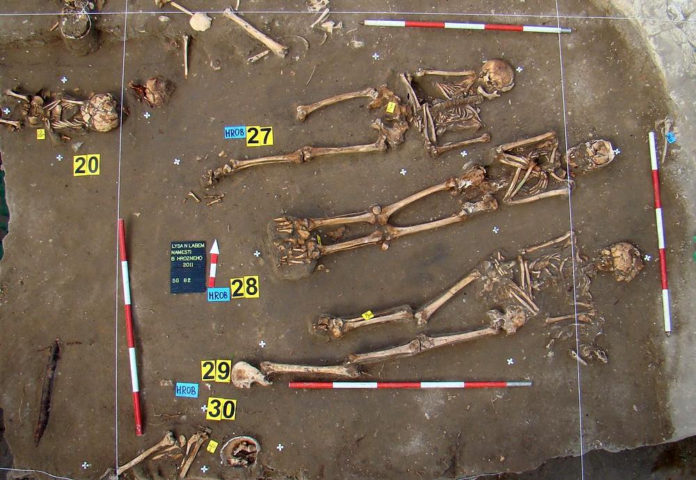 Novověké hroby v Lysé nad Labem. Foto archiv ÚAPPSČ