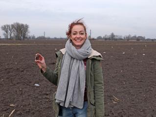 Momentky ze života žen na středočeských archeologických výzkumech
