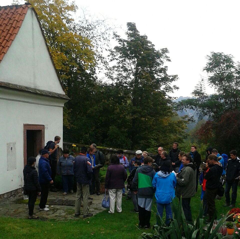 Začátek vycházky za archeologií Stříbrnoskalicka. Foto J. Hlavatý