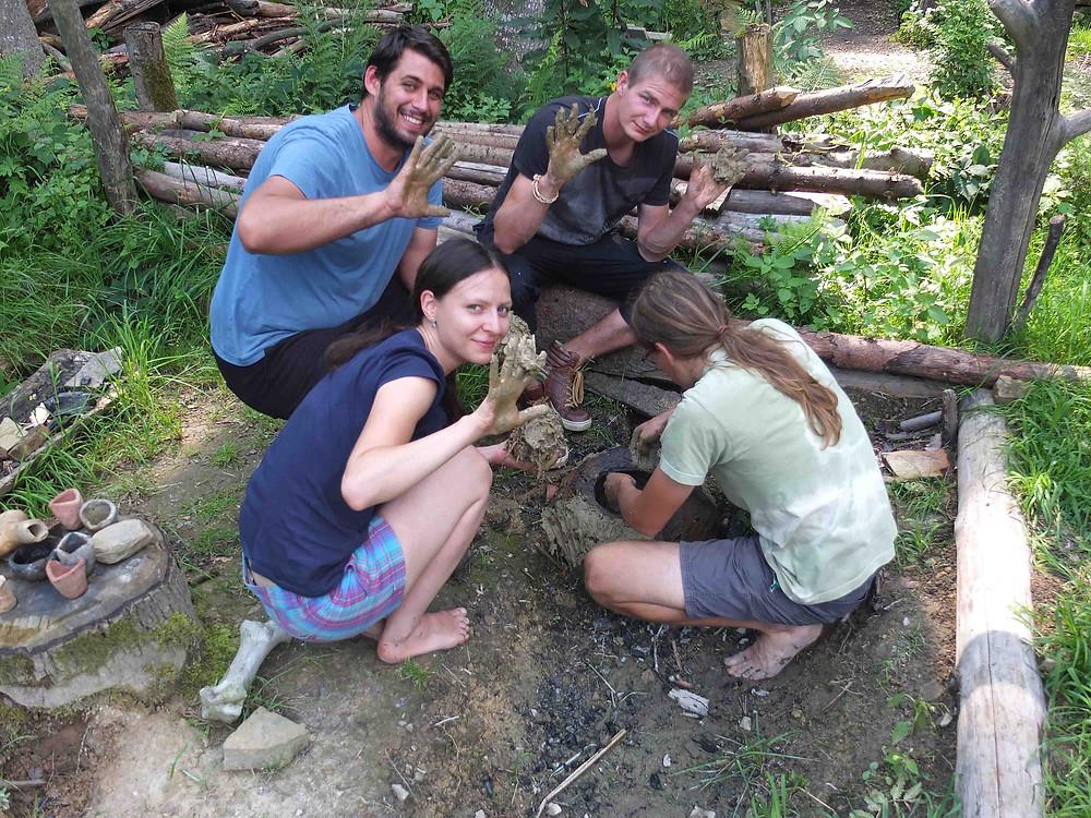 Omazávání bronzířské pícky. Foto V. Puhačová