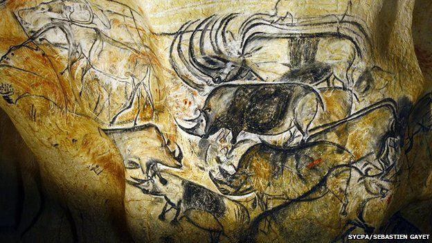Výjev s nosorožci z Chauvetovy jeskyně, stáří okolo 30 tisíc let. Zdroj Wikipedia