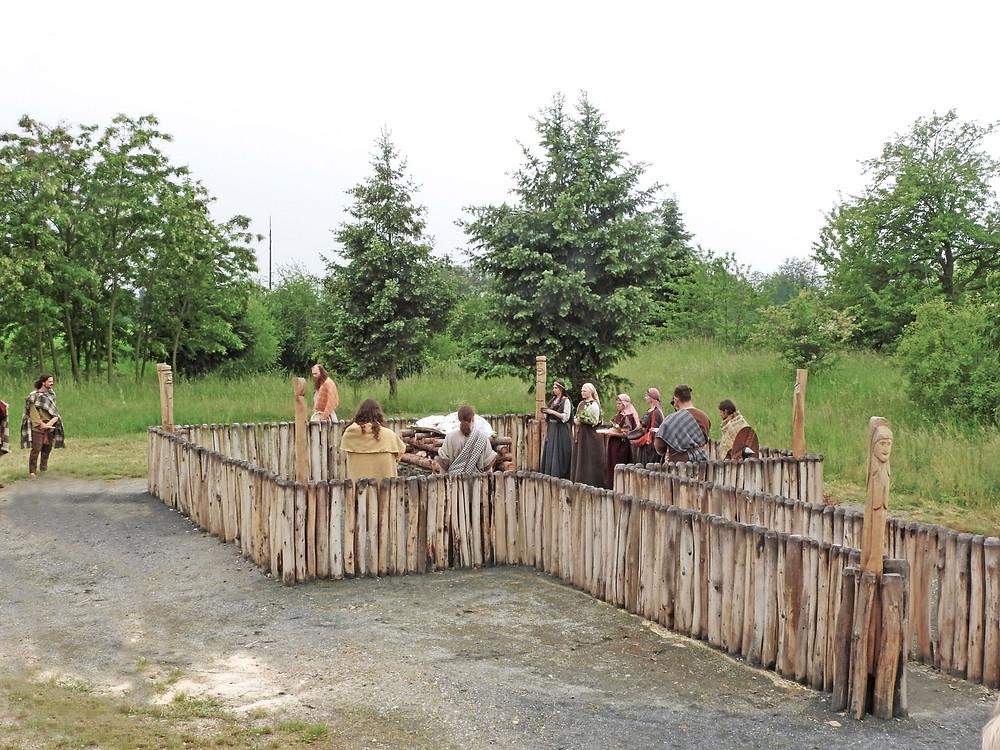 Žároviště na Pičhoře těsně před začátkem germánského pohřbu. Foto T. Chlup