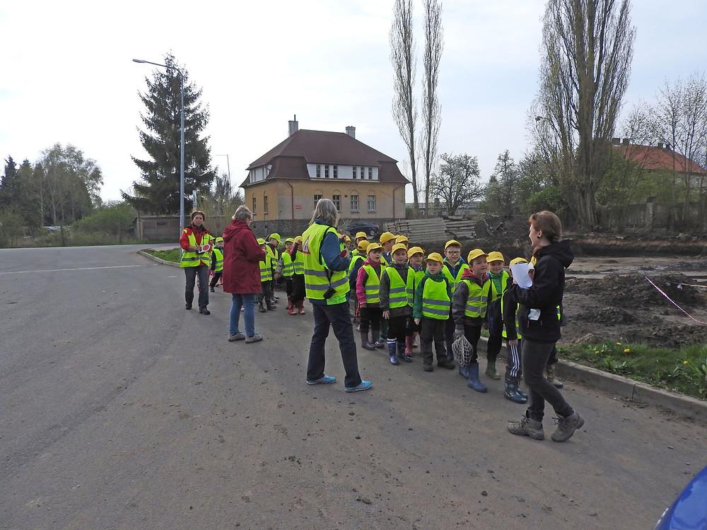 Exkurze školky na archeologický výzkum. Foto T. Chlup