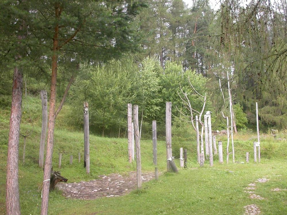 Rekonstrukce obětního místa na Havránku. Zdroj viz Historyweb.sk