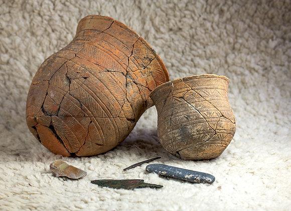 Hrobová výbava z eneolitického hrobu Richarda, lukostřelce z Holubic