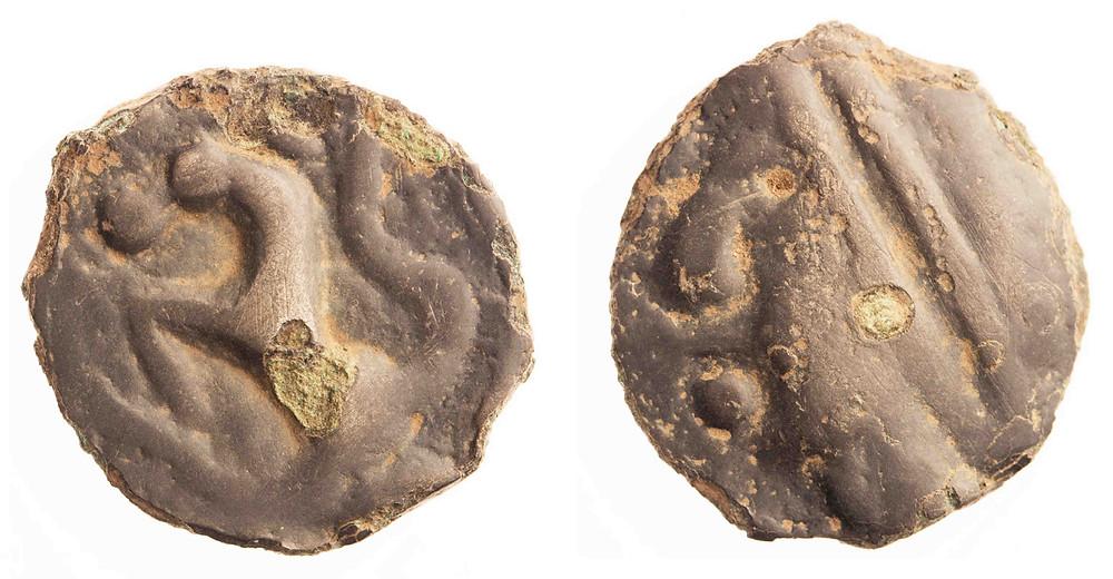 Litá potinová mince Sekvanů. Foto T. Smělý