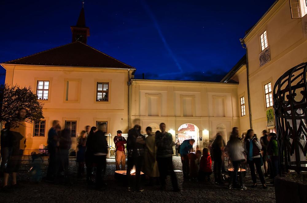 Oslava keltského svátku Samhain na zámku Nižbor. Foto: Lucie Velechovská.