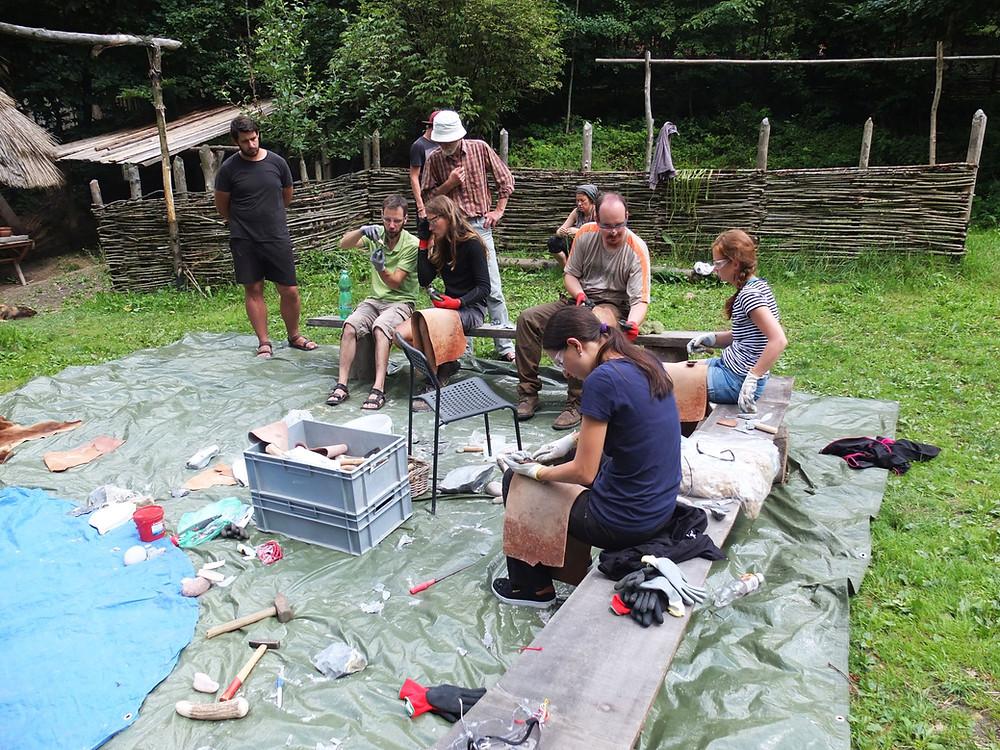 Štípací workshop v plném proudu. Foto M. Puhač