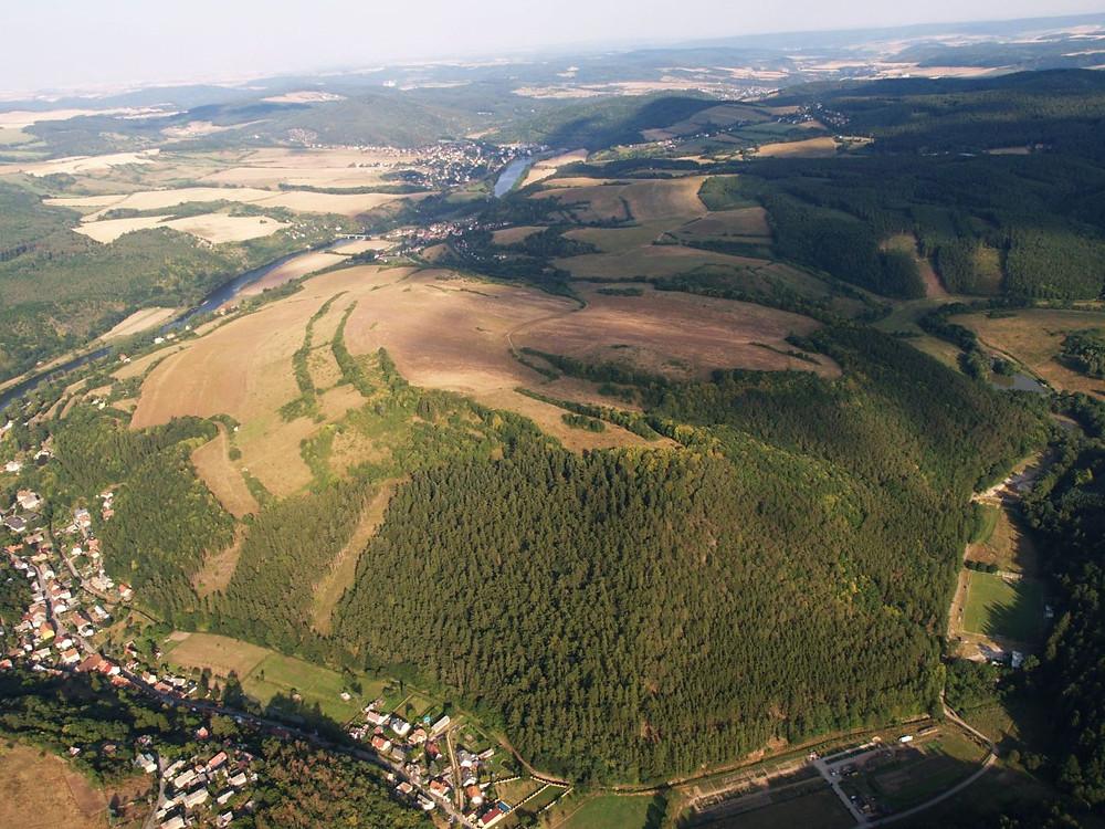Letecký snímek stradonického oppida. Foto archiv ÚAPPSČ