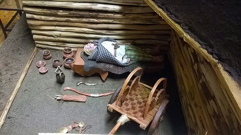 Zdařilá rekonstrukce ve Všeradickém muzeu pravěku. Foto V. Mikešová