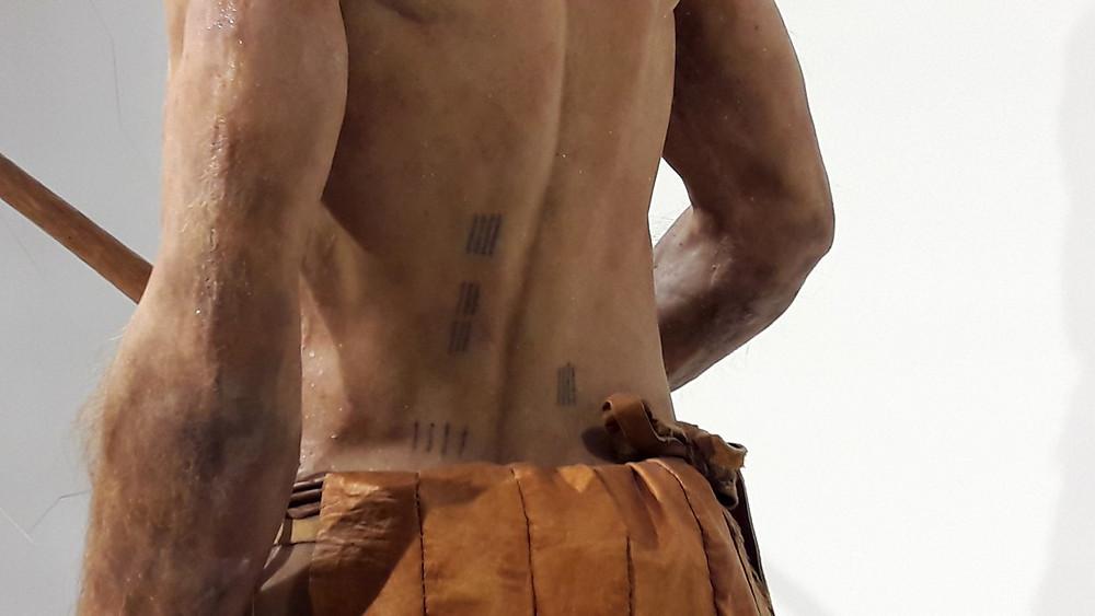 Ötziho tetování, která měla možná charakter akupunktury.