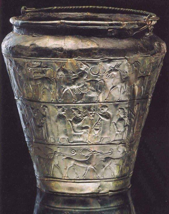 6.Bronzová situla z knížecích hrobů z Vače