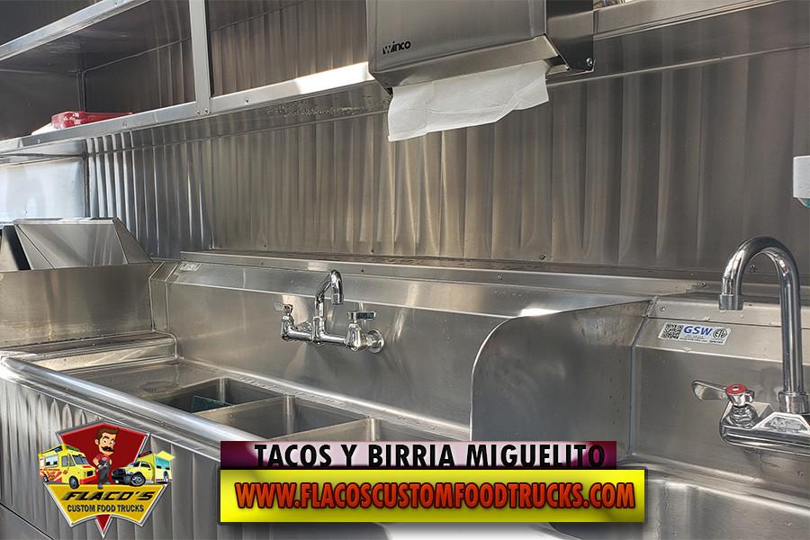 TACOS Y BIRRIA MIGUELITO 6.jpg