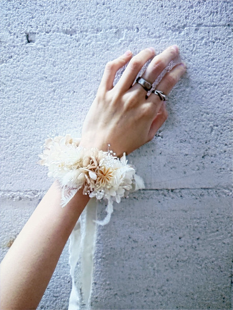 Wrist bouquet
