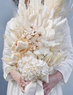 weiss bouquet