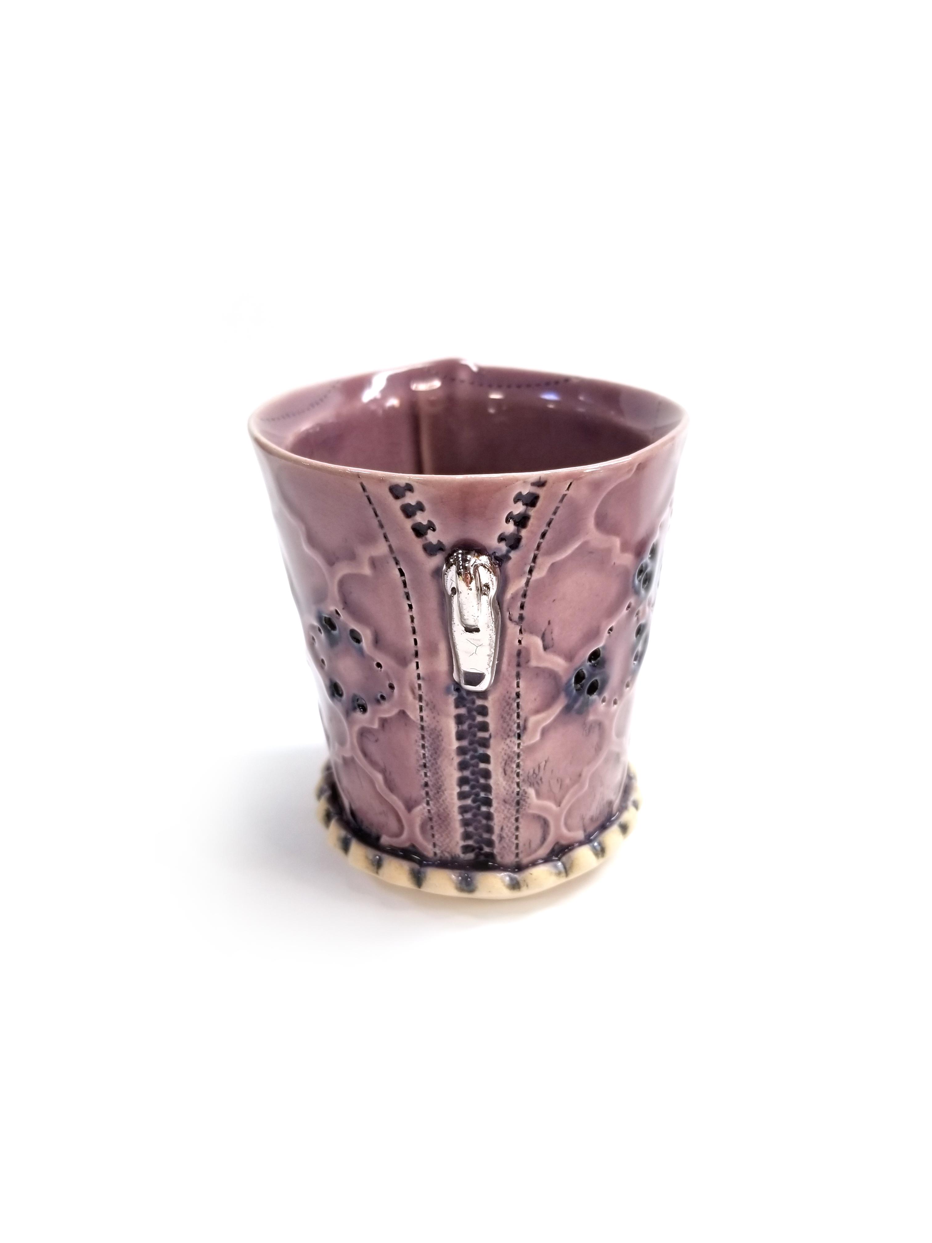 Quatrefoil_zippercup_lavenderglaze_white