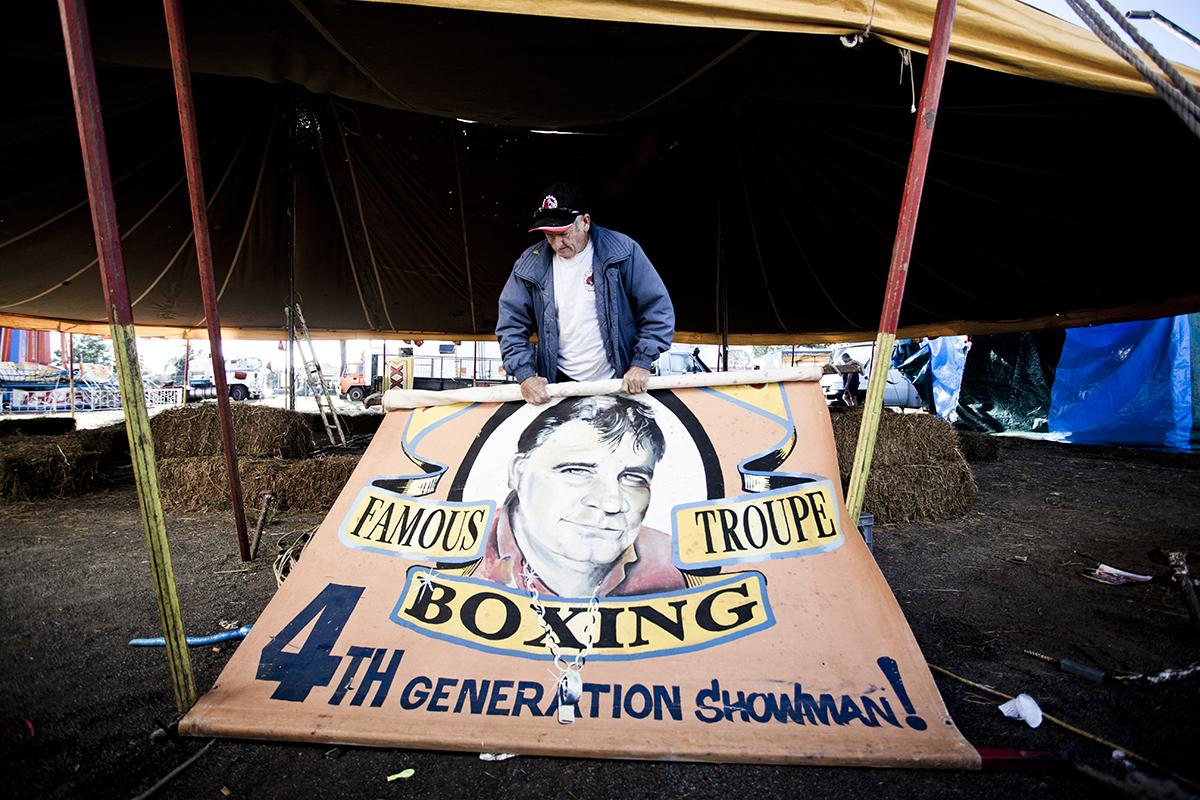 C12EDBE1,   fred  brophy's tent  Nanango,South east QLD photographer Dean Saffron . -3804